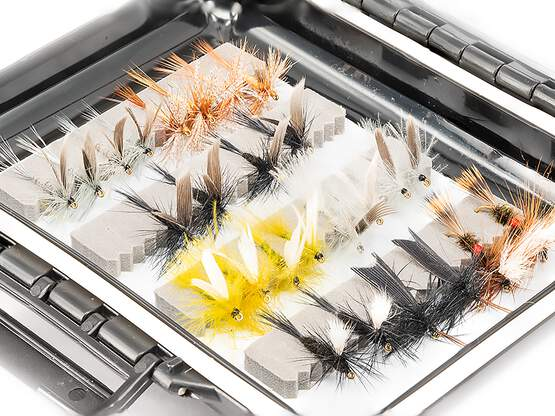 Flies selection TROUT UNIVERSAL - 48 flies with box